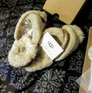 NEW/in box UGG Fur SLIPPERS/SANDALS/SHOES size 7